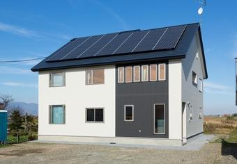自然の力を利用した総二階の二世帯住宅