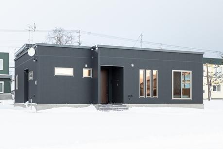 機能性とデザインを極めた平屋の家
