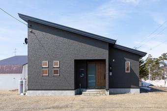 片流れ屋根のシンプルデザイン
