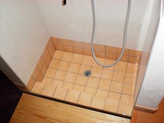 玄関シューズクロークに犬の足洗い場